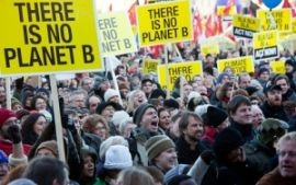 270x169-images-stories-denmark-climate-summit-demo-planet-b.jpg