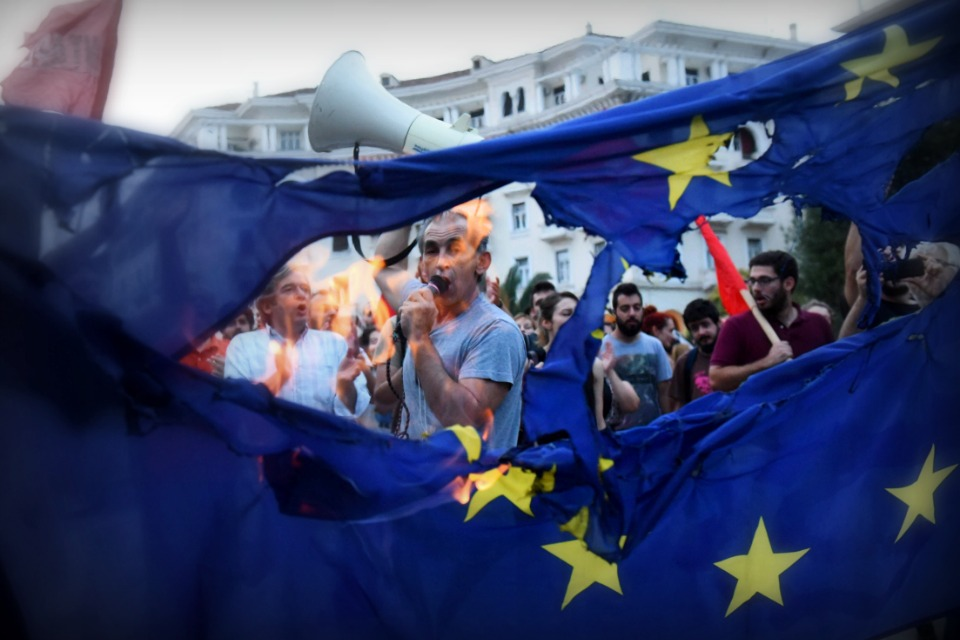 EUflagburningGreece