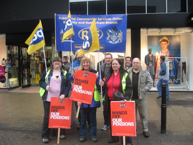 barnsley_picket_on_pensions_10.5.12_004.1.jpg