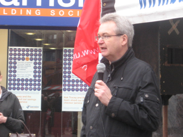 barnsley_picket_on_pensions_10.5.12_009.jpg
