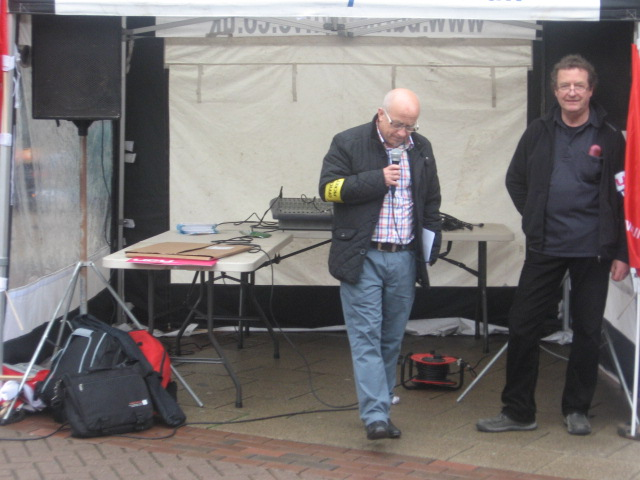 barnsley_picket_on_pensions_10.5.12_013.jpg